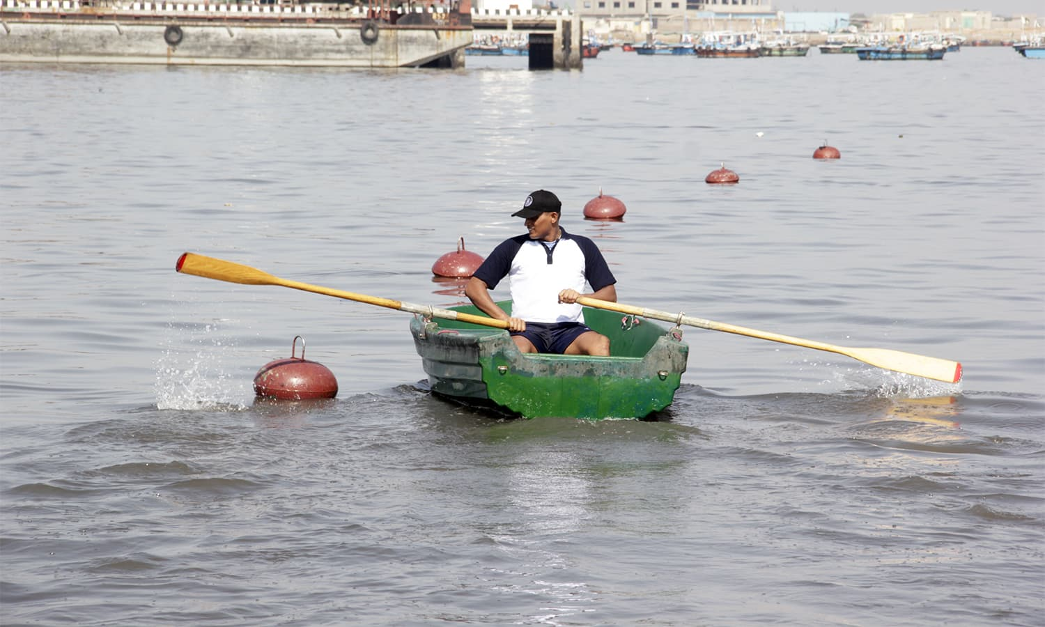 Cadet from Naval Academy of Sri Lanka participates in the seamanship race. —Navy PR