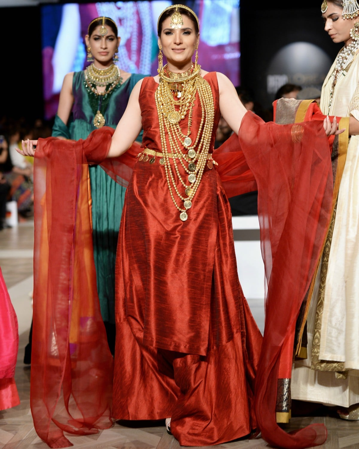 Resham made a stunning showstopper for GOLD by Reama Malik