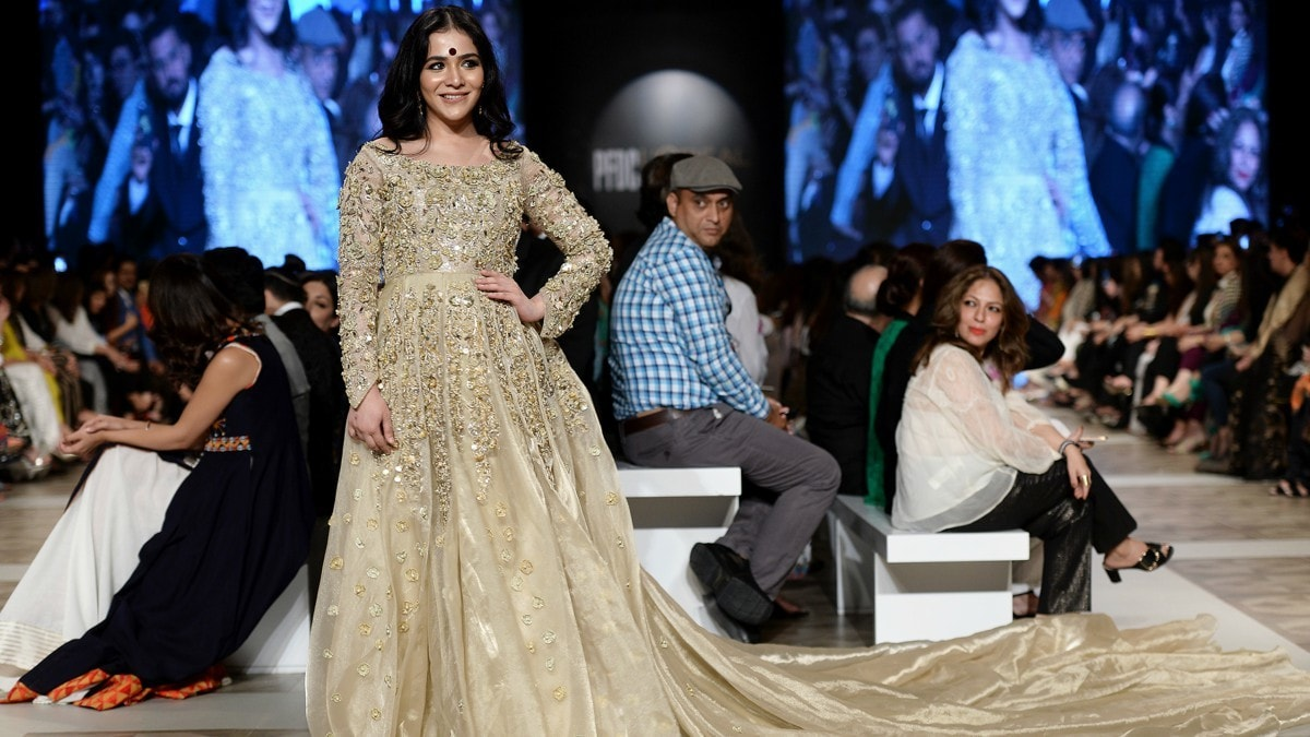 Shamsha Hashwani sent down Humaima Malick as her showstopper; she wore a long, long trail that only the most graceful of us could pull off