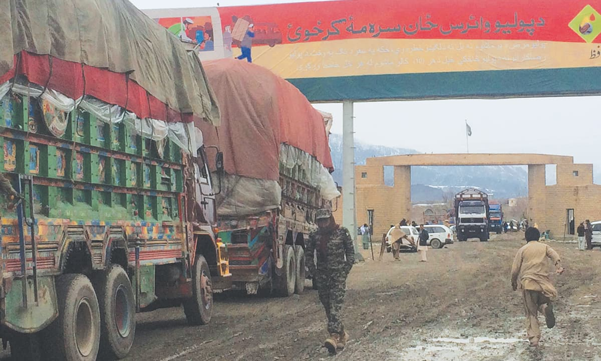 Nato containers and other vehicles pass through Khyber Agency | Ghulam Dastageer