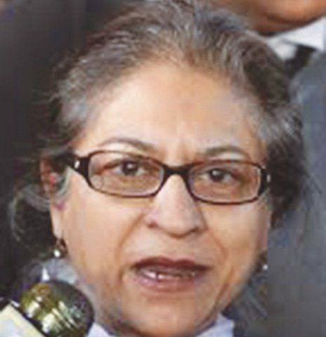 Asma Jahangir delivers a lecture at Wolfson College, Oxford.