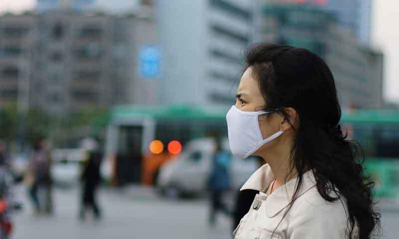 فضائی آلودگی سب سے بڑا خطرہ ہے، رپورٹ—فوٹو: شٹر اسٹاک