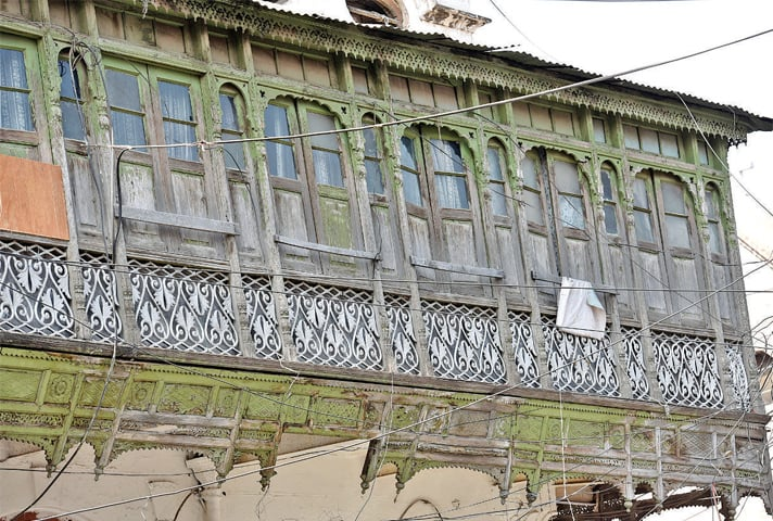 A balcony in an imambargah in the old quarters of Saddar.