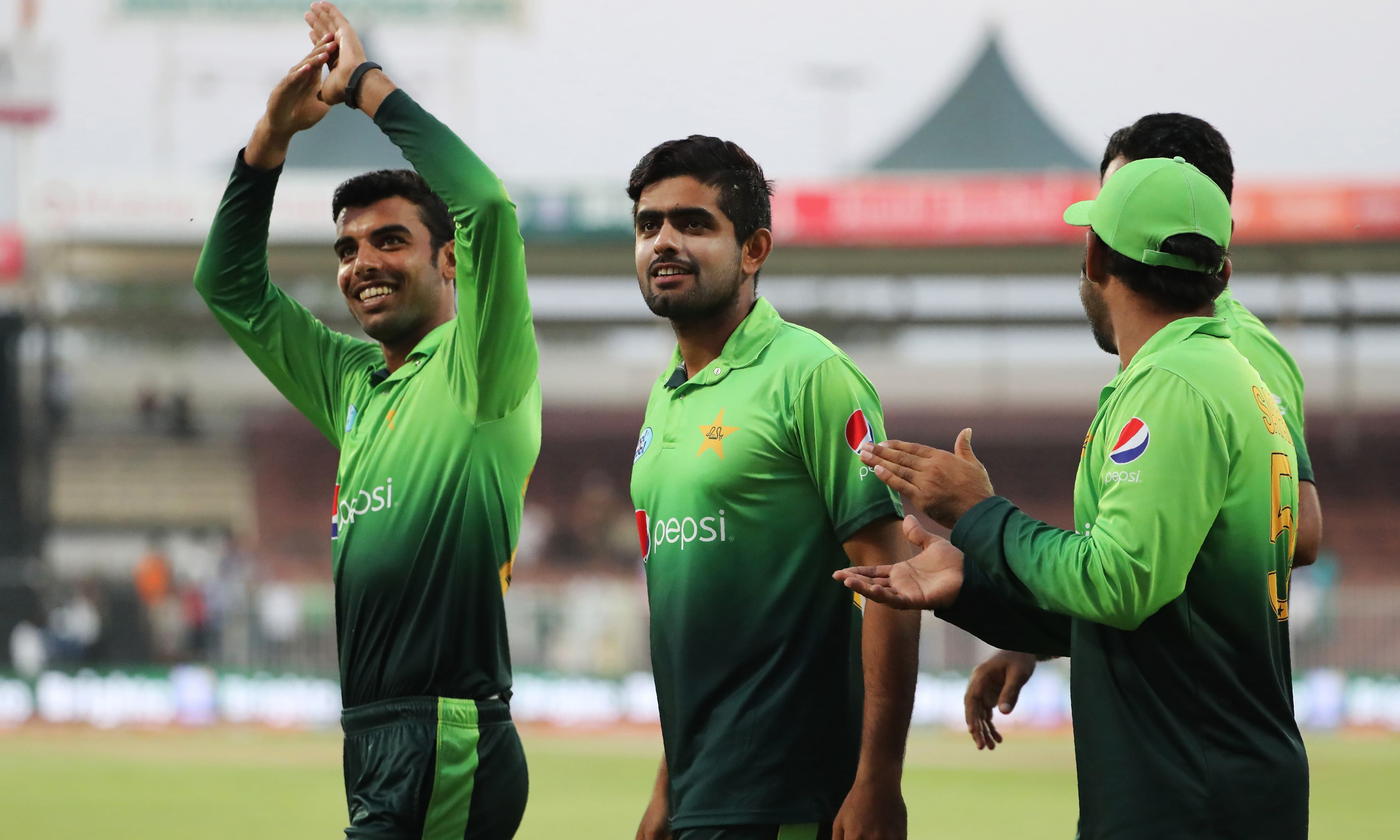 Fifth ODI: Pakistan cruise to nine-wicket victory, complete '