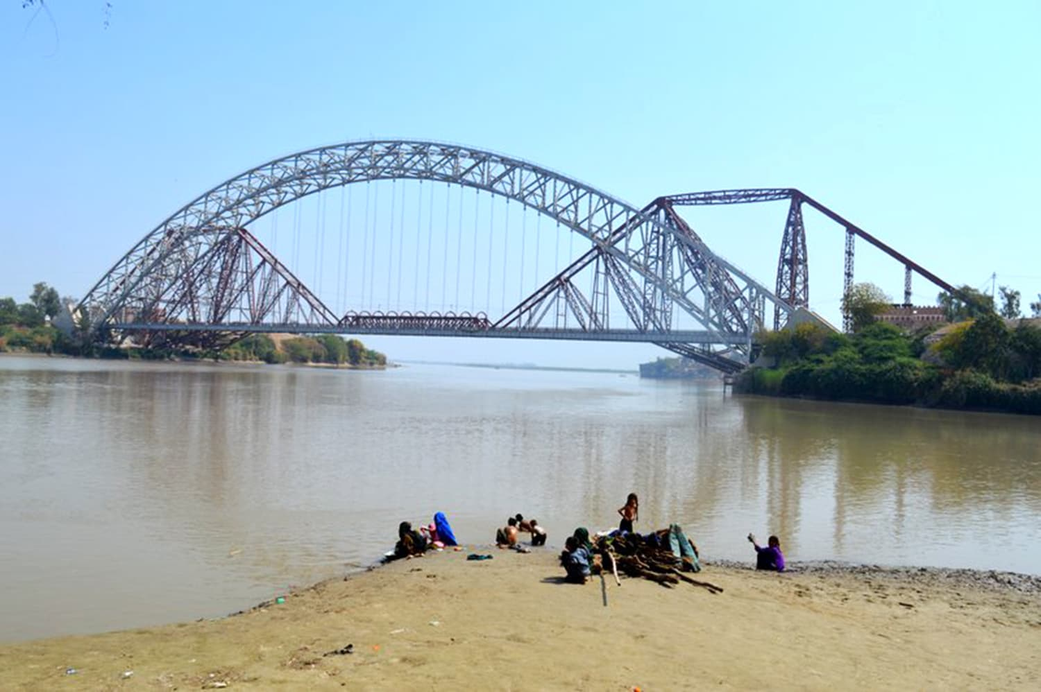 Lansdowne bridge in Rohri. -All photos by author, thumbnail: Wikimedia Commons