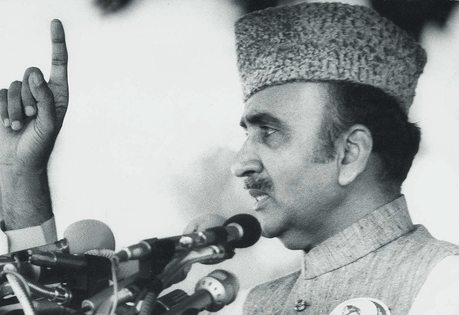 THOUGH he came from nowhere in the wake of the partyless polls of 1985, Prime Minister Mohammad Khan Junejo, donning a Jinnah cap here, tried to be his own man. He raised and pointed the finger a few times too many and paid the price on May 29, 1988, with the dismissal of his government – and the National Assembly. | Photo: Dawn / White Star Archives