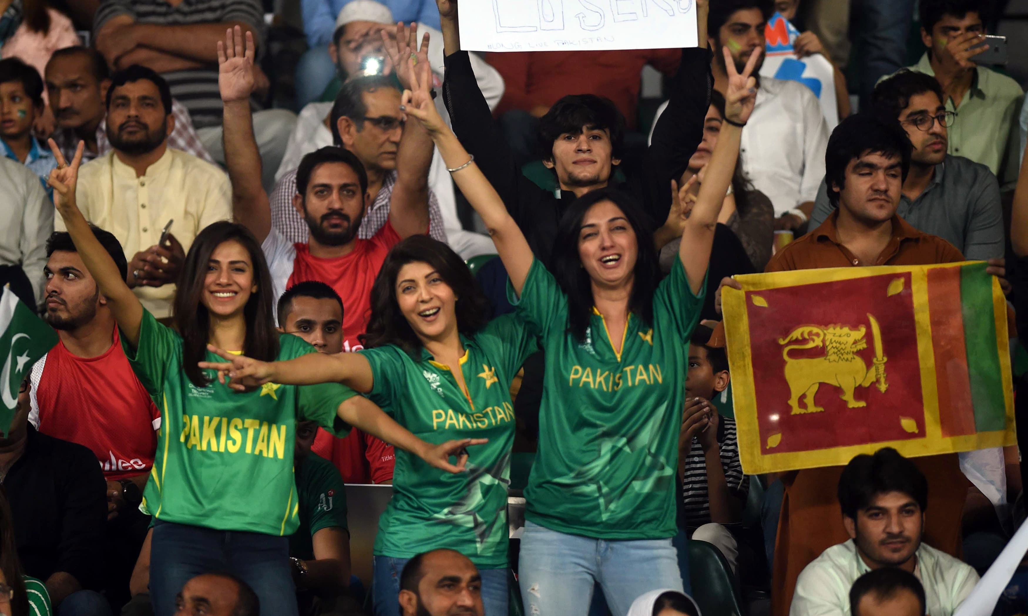 Celebrations all around as Sri Lanka return to play in Pakistan after 2009 attack
