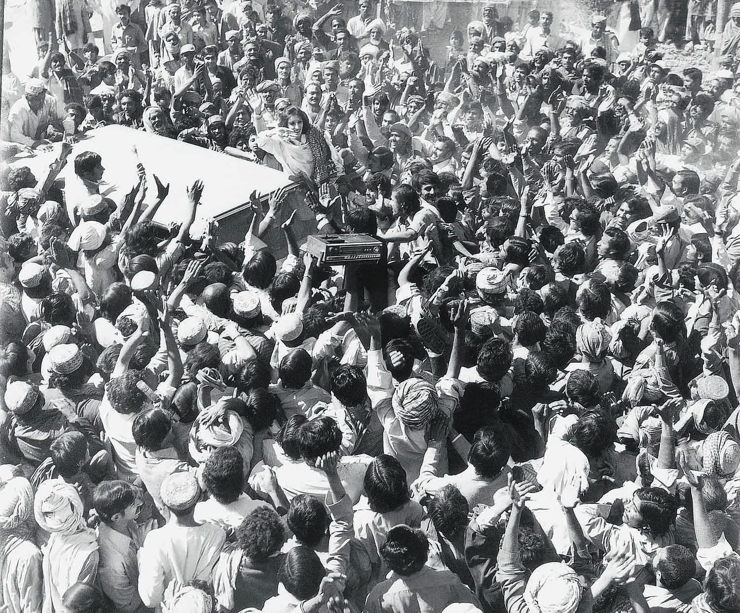 BENAZIR Bhutto ran an election campaign in 1988 that was as electric as her return to the country from exile a couple of years earlier. | Photo: Dawn / White Star Archives