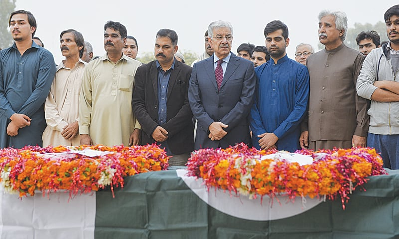 Pakistani official killed in Afghanistan laid to rest