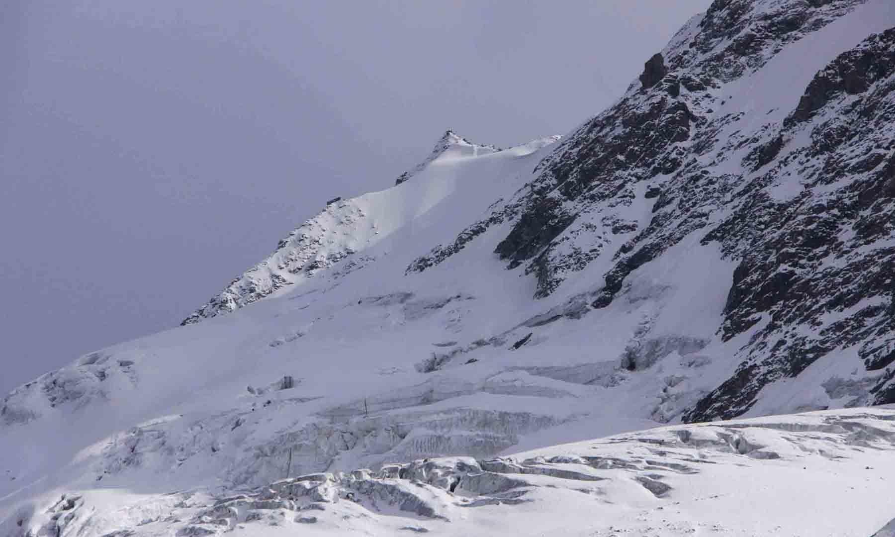شمال کی طرف سے فلک سیر چوٹی کی لی جانے والی ایک نایاب تصویر—تصویر امجد علی سحاب