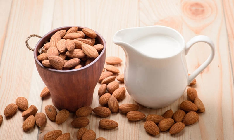 5 کھانے جن میں دودھ سے زیادہ کیلشیم موجود