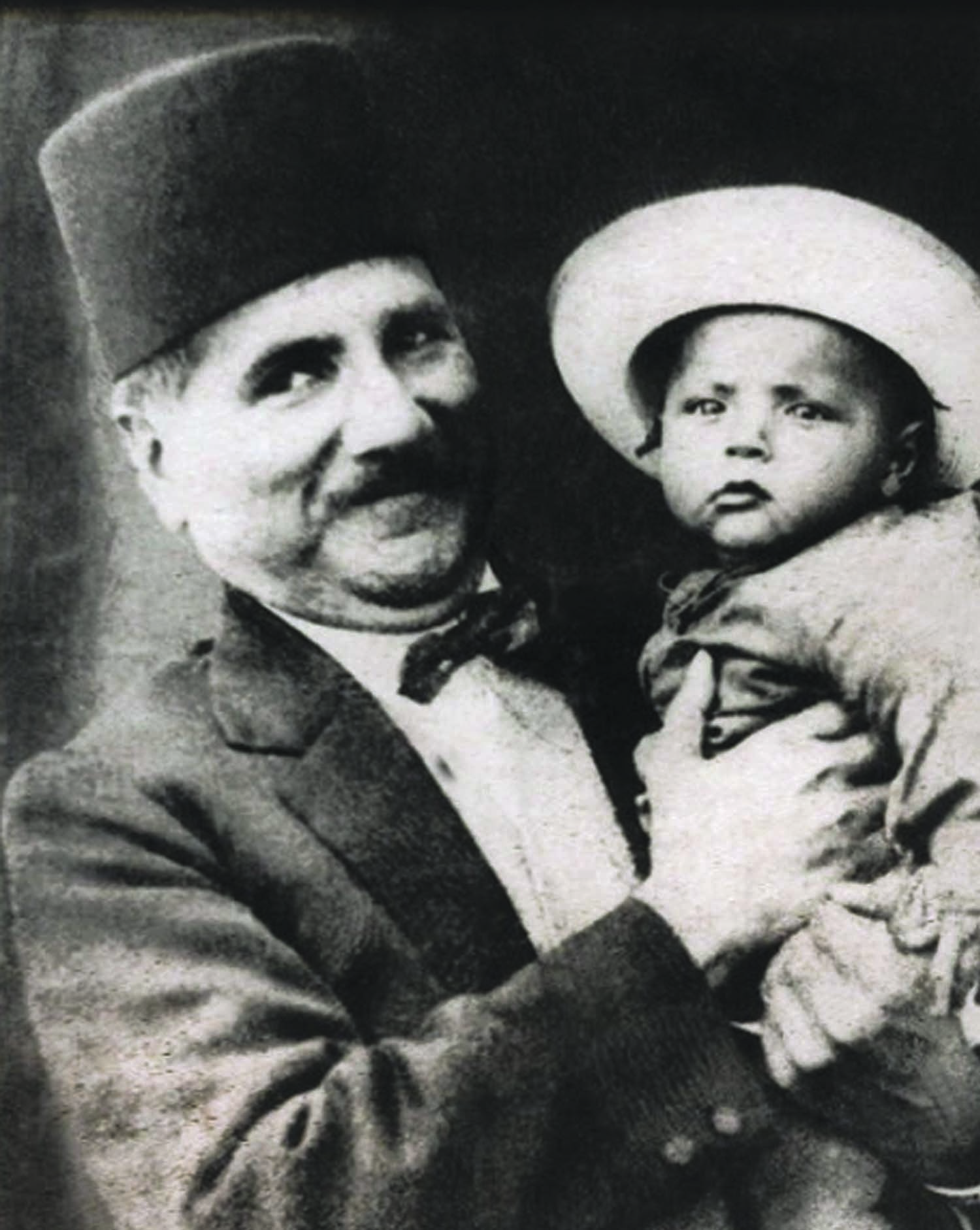 Sir Muhammad Iqbal with his son Javed Iqbal in 1925. Javed was a philosopher of sorts himself and pursued a career in law, serving as a Justice of the Supreme Court of Pakistan after having been the Chief Justice of Lahore High Court. Photo: The Allama Iqbal Collection.
