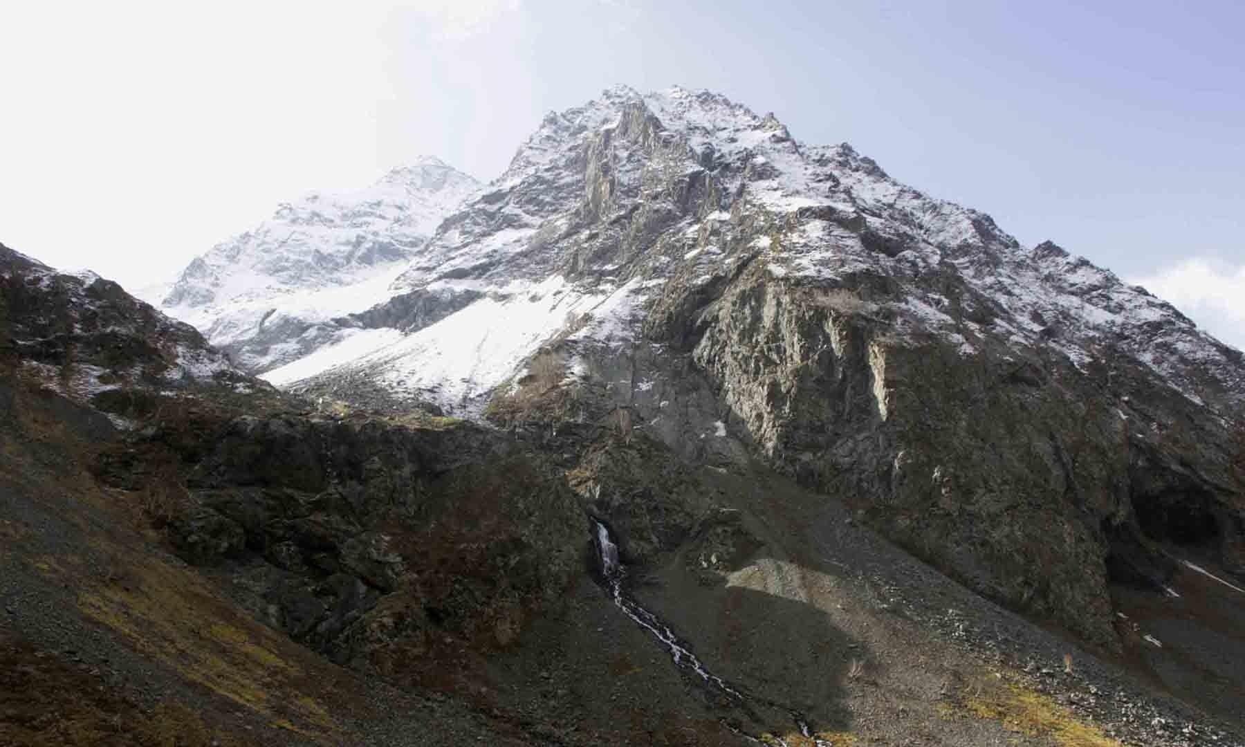 سوات کی غیر معروف بلند ترین چوٹی 'فلک سیر' کی سیر