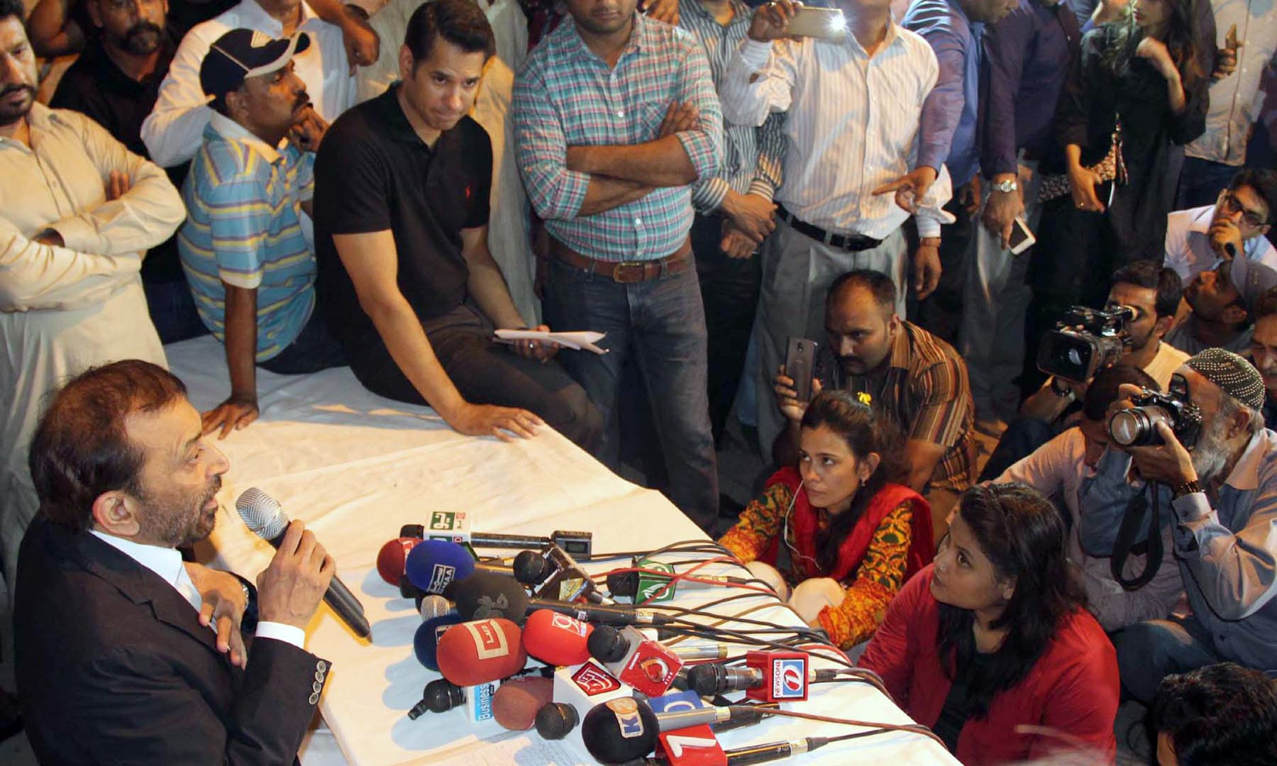 Farooq Sattar addressing a press conference at his residence. —Online