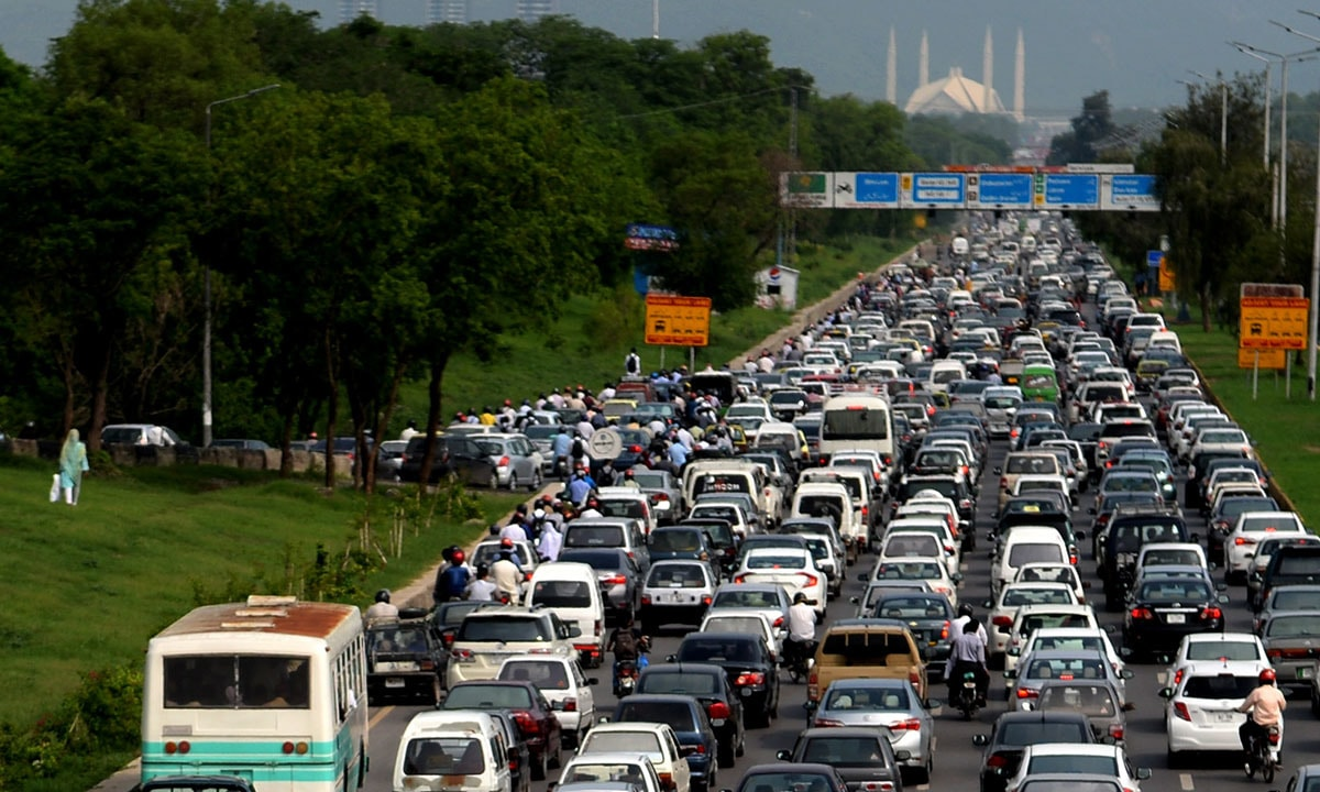 Traffic congestion on the Islamabad Expressway | Mohammad Asim, White Star