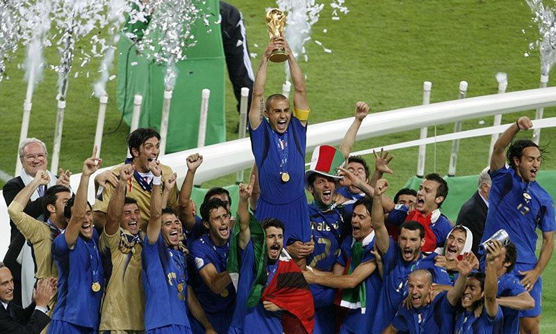 گیان لوگی بفون نے 2006 ورلڈ کپ میں اٹلی کی فتح میں مرکزی کردار ادا کیا تھا— فوٹو: اے پی
