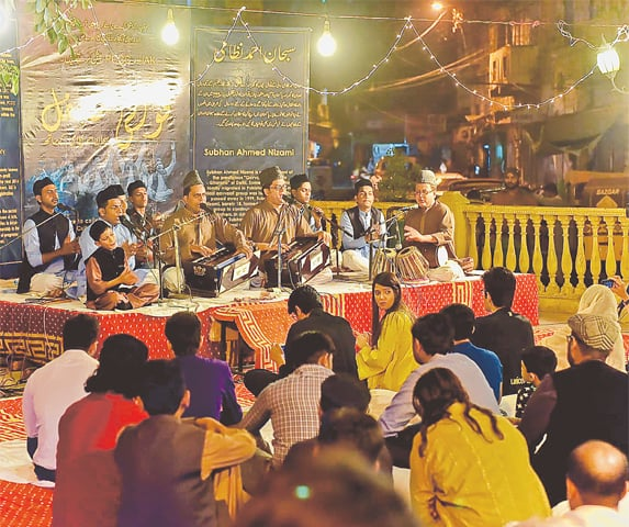 SUBHAN Ahmed Nizami and his team perform at Pakistan Chowk.—White Star
