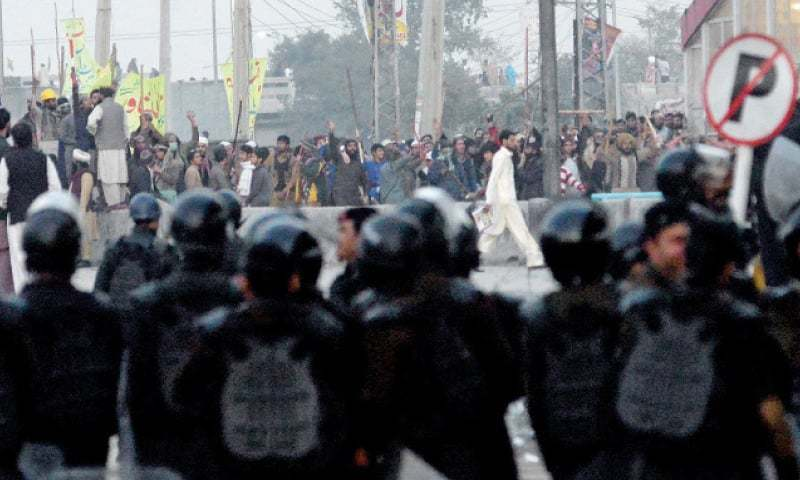 Country's decisions will be taken on streets if situation not resolved: SC on Faizabad sit-in