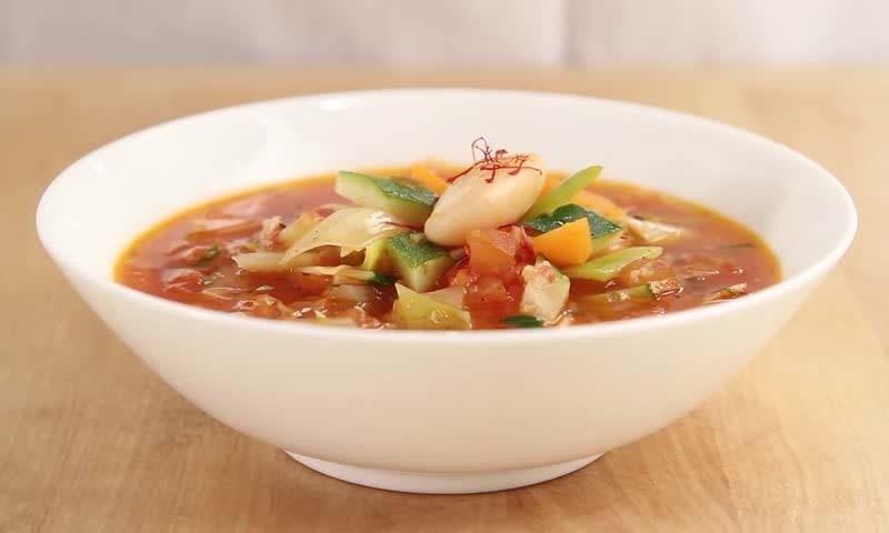 سردیاں آگئی ہیں، تو سوپ بنانا بھی سیکھ لیں