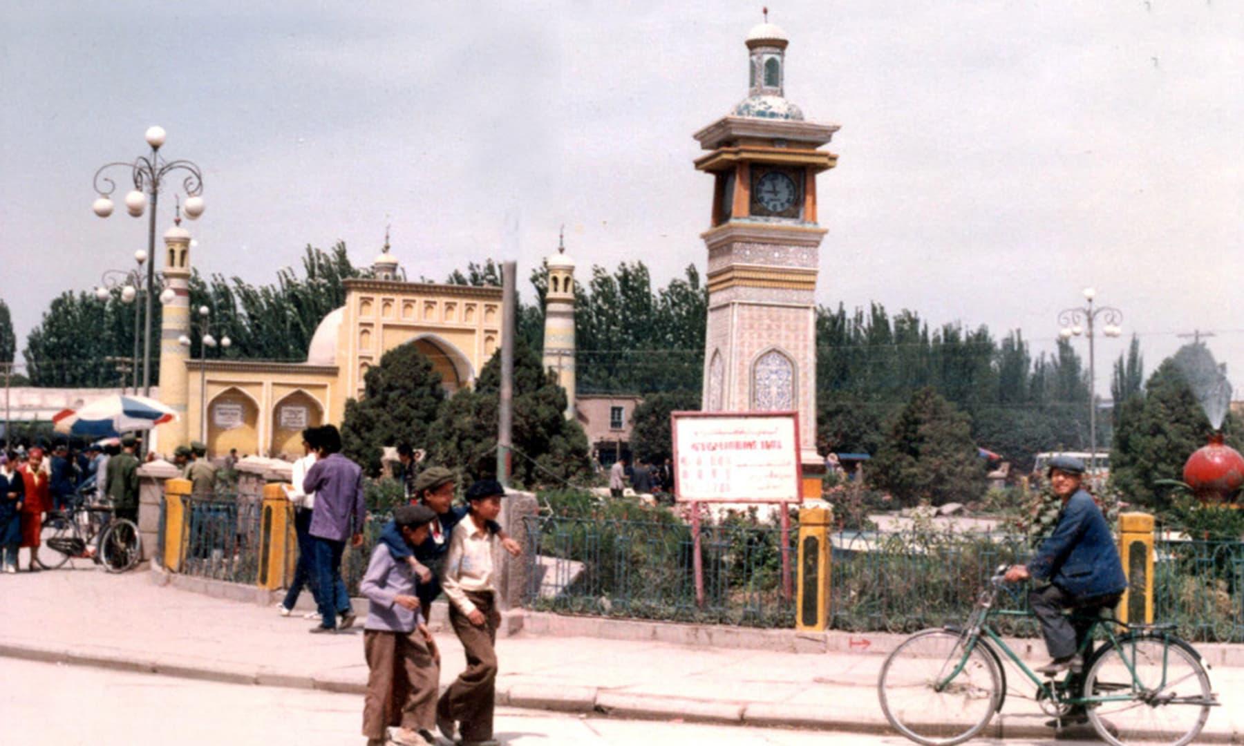 1987 میں کاشغر شہر کا ایک نظارہ—تصویر عبیداللہ کیہر
