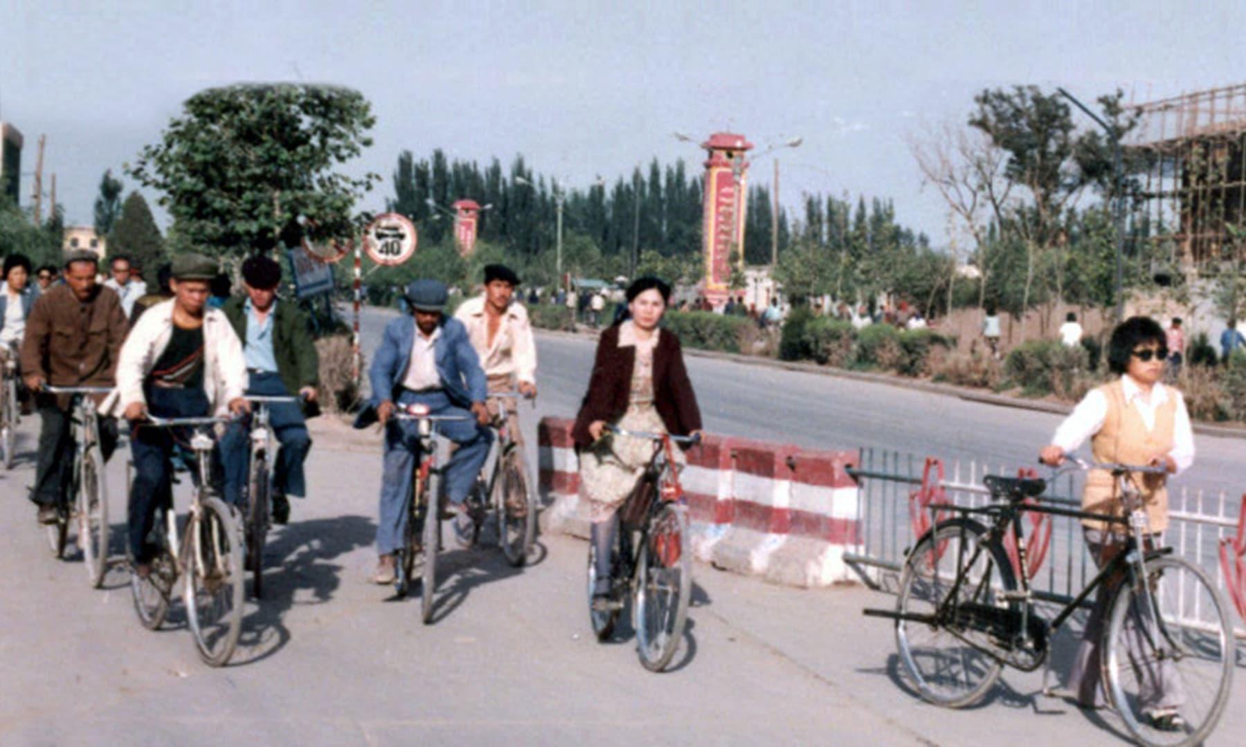 1987 میں کاشغر کا ایک نظارہ—تصویر عبیداللہ کیہر