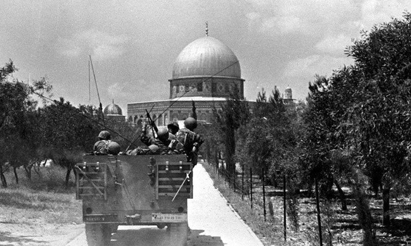 اسرائیلی فوجی پہلی بار 7 جون 1967 کو کعبہ اول میں داخل ہوئے—فوٹو: ٹائمز آف اسرائیل