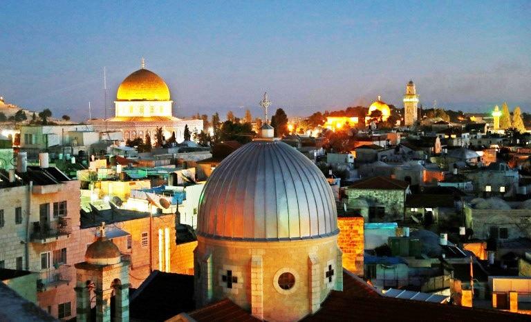 یروشلم کو سیاحت کے حوالے سے بھی اہم مانا جاتا ہے—فوٹو: اے ایف پی