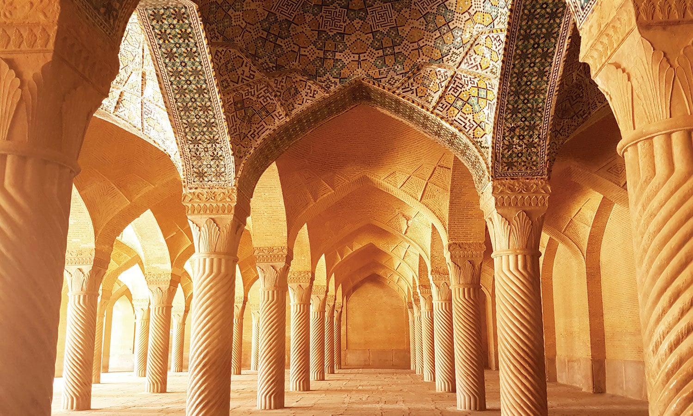 وکیل مسجد—فوٹو: شٹر اسٹاک