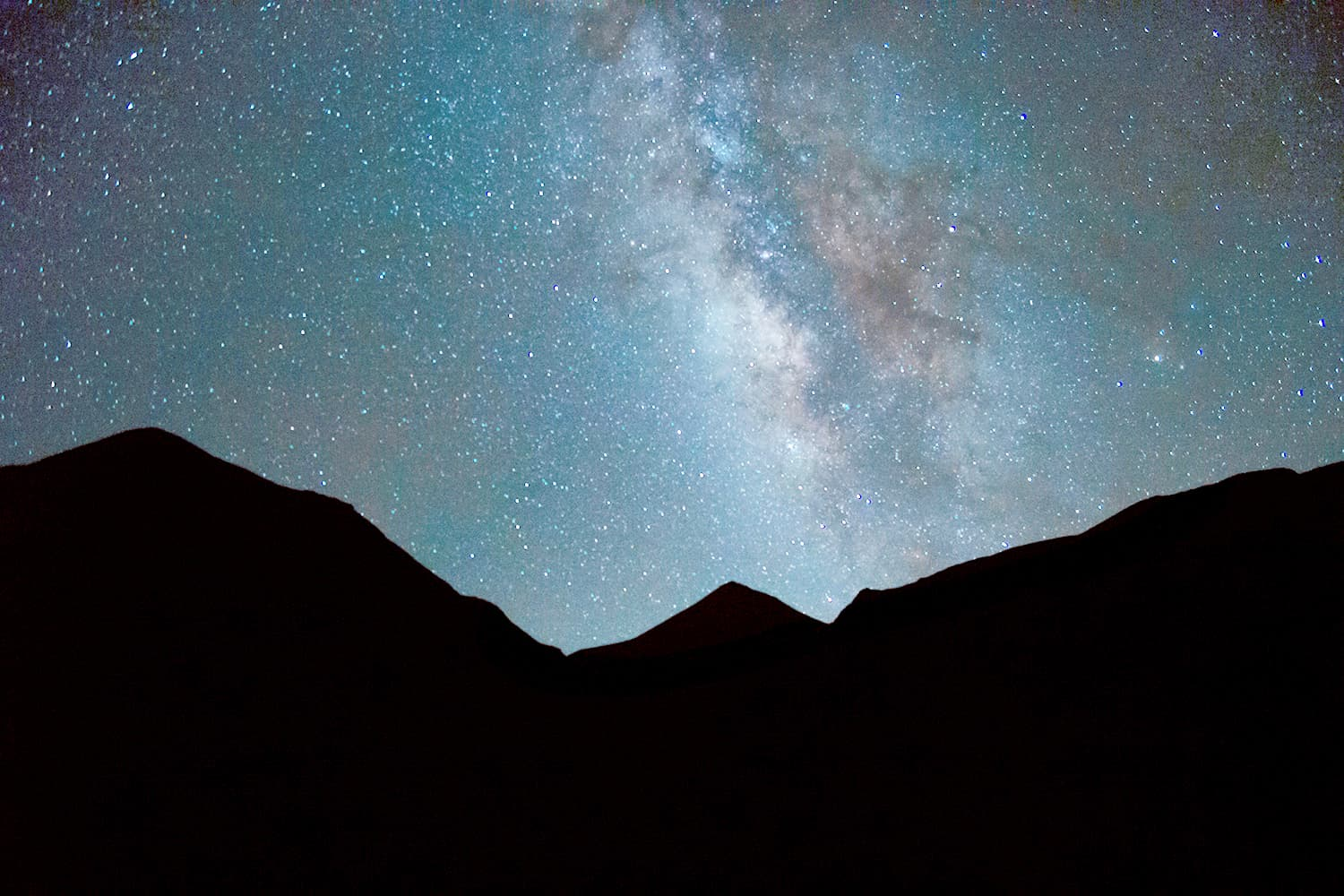 The magnificent Milky Way above the snow line of Khanda Gali.