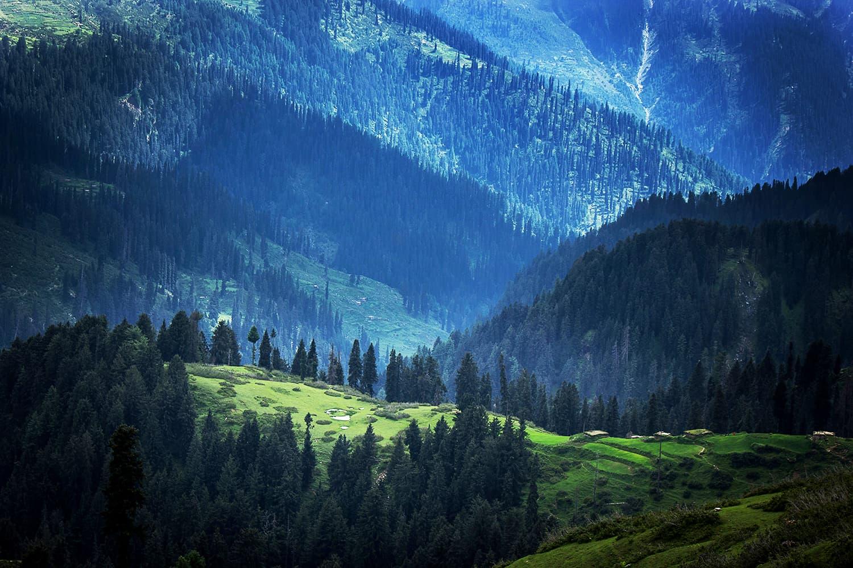 A beautiful view of Kunaali from Khanda Gali.