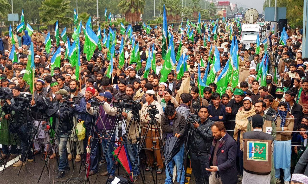 Siraj demands KP-Fata merger by Dec 31
