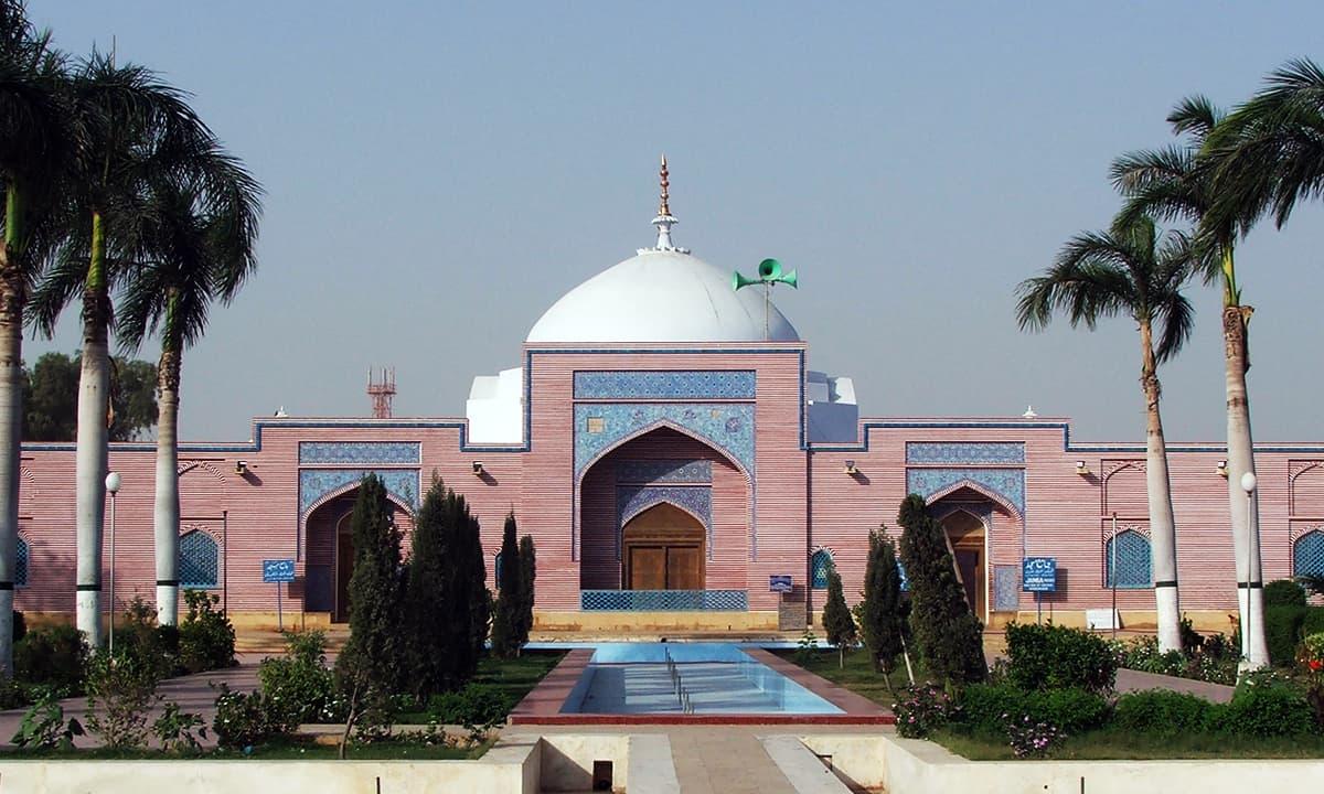 ٹھٹھہ کی شاہجہانی مسجد۔— فوٹو عبیداللہ کیہر