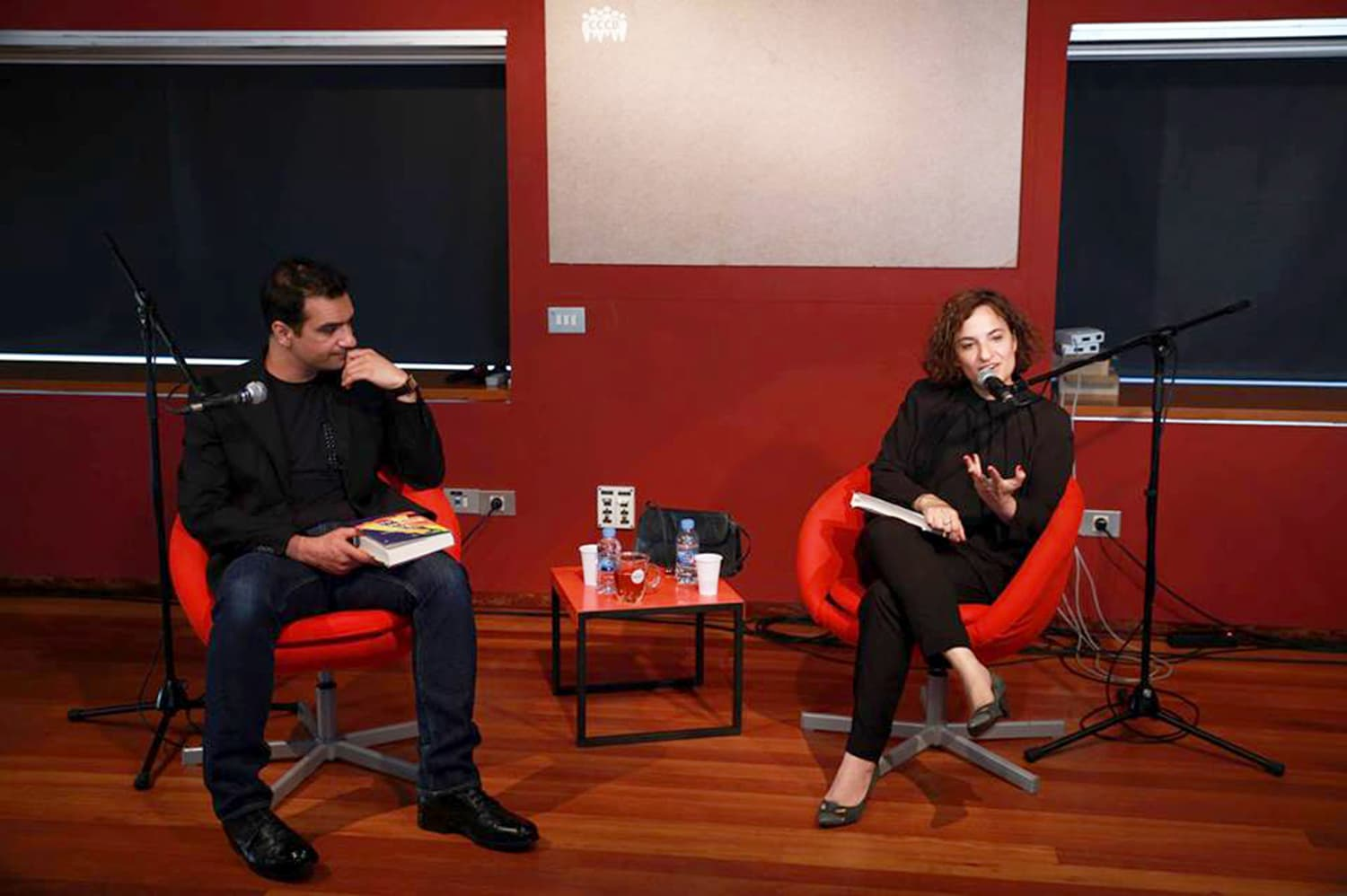Nadeem Aslam presents the Spanish translation of The Blind Man's Garden (El Jardín del Hombre Ciego) at the Centre de Cultura Contemporània de Barcelona (interviewed by Ana Ballesteros). -Photo by author