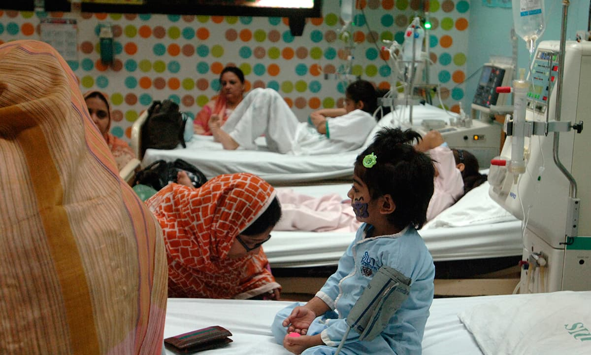 A young patient receives treatment at SIUT | Photo by Arif Mahmood, White Star