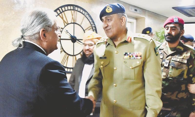 Bajwa says army not destabilising civilian govt