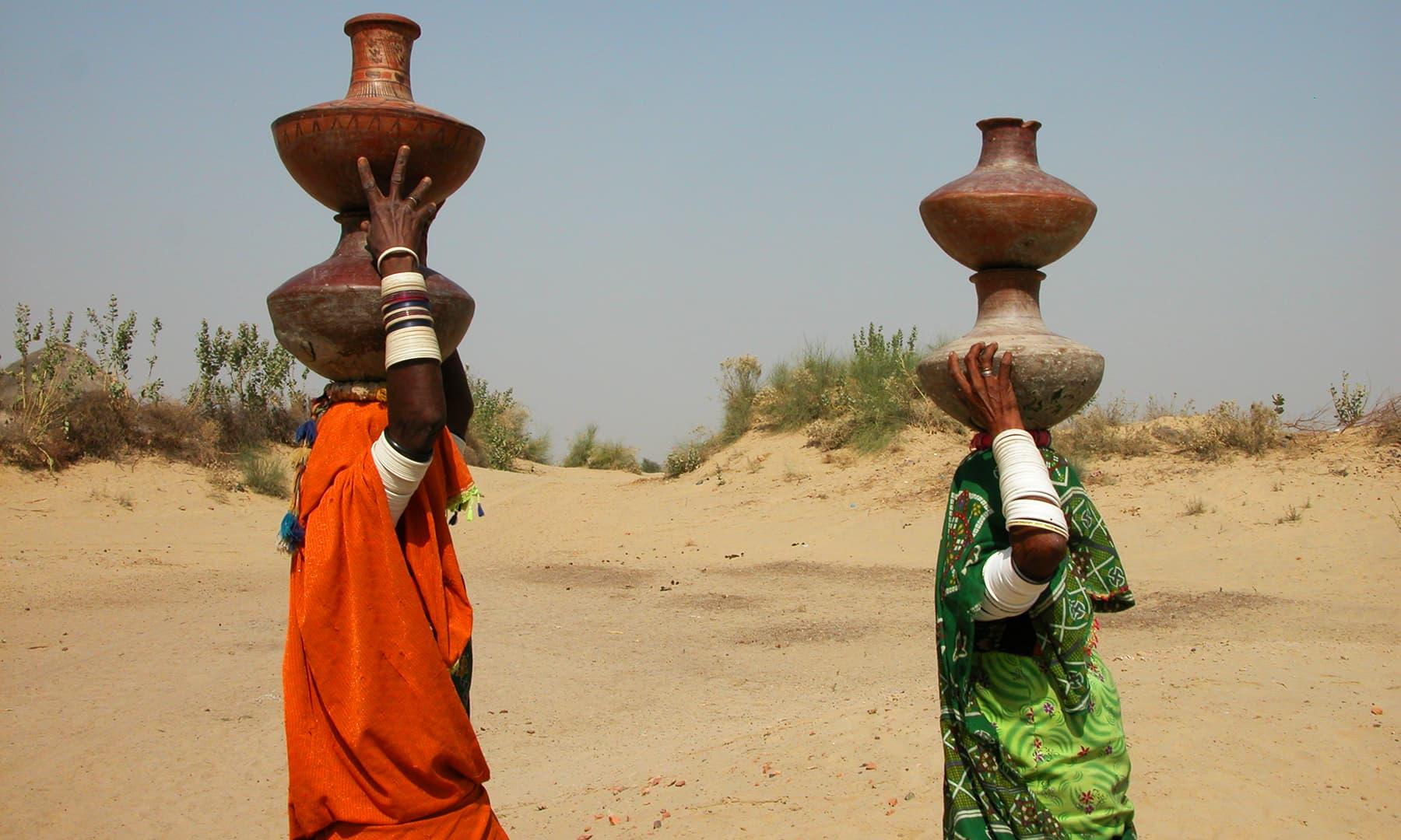 تھری خواتین —تصویر عبیداللہ کیہر