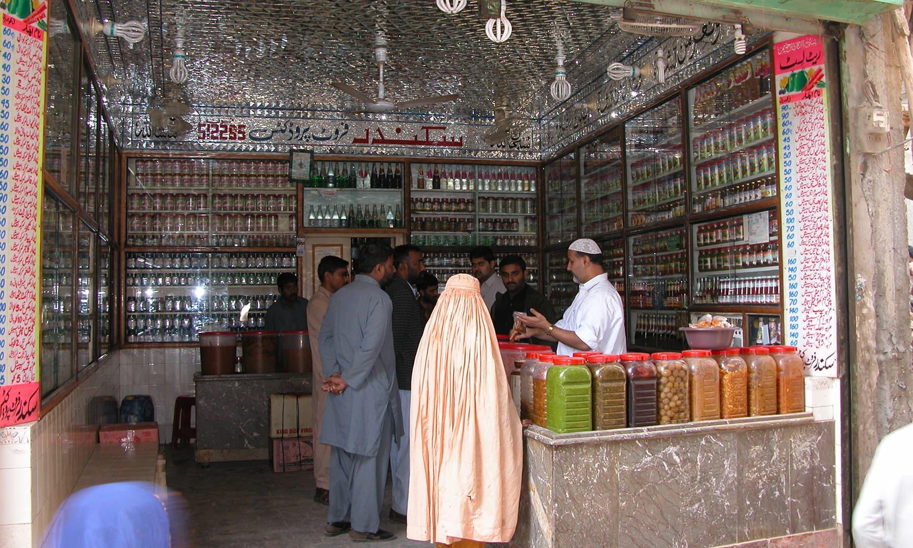 شکارپوری اچار —تصویر عبیداللہ کیہر