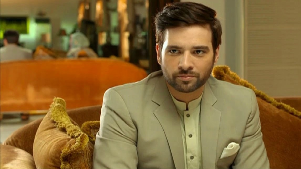 Mikaal Zulfikar as a pir... in Alif Allah Aur Insaan