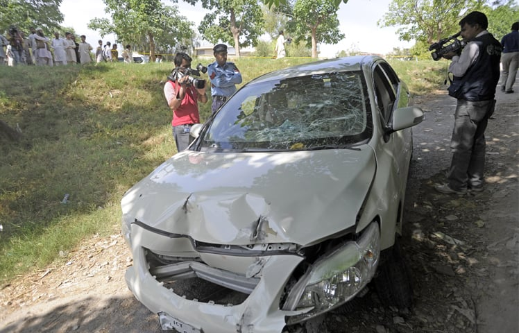 Chaudhry Zulfikar was driving his car to work when he was attacked by assailants. As he lost control of his car, it careened up an adjacent green belt and smashed into a tree. ─ WhiteStar