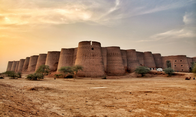 Derawar Fort — Fassi Farooq