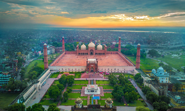 Badshahi Mosque — Wasif