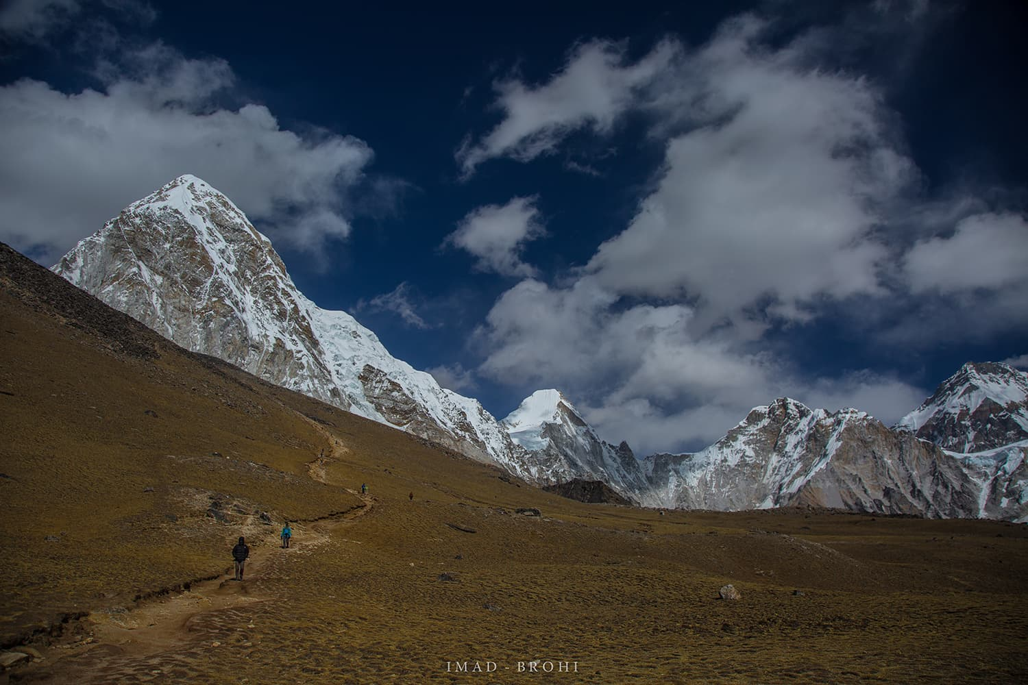 Day 10: The trail to Kala Pathar (5,650m) from where we would get a clear view of Mount Everest.