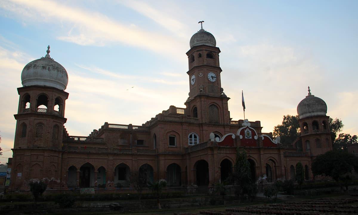 صادق ایجرٹن کالج بہاولپور۔— فوٹو عبیداللہ کیہر