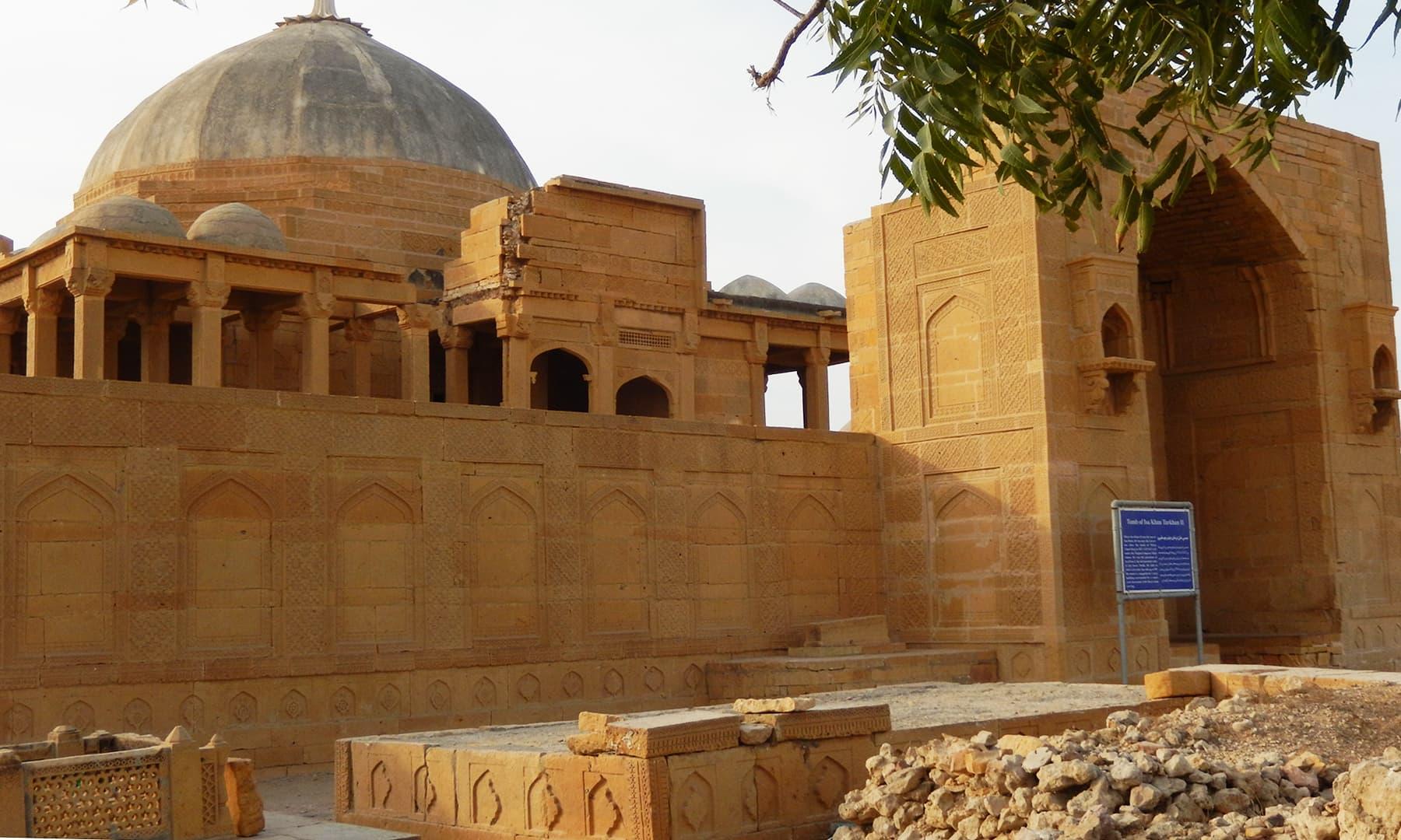 مقبرہ مرزا عیسیٰ خان ثانی —تصویر ابوبکر شیخ