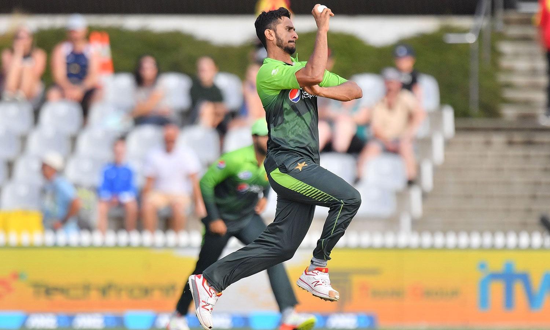 کئی میچوں سے ہر میچ میں تین وکٹیں لینے والے حسن علی اس مرتبہ کوئی وکٹ نہ لے سکے— فوٹو: اے ایف پی