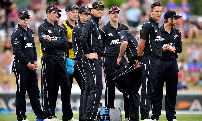 نیوزی لینڈ کے فاسٹ باؤلرز نے نپی تلی باؤلنگ سے ایک مرتبہ پھر اپنی ٹیم کو اچھا آغاز فراہم کر کے فتح کی بنیاد رکھی— فوٹو: اے ایف پی