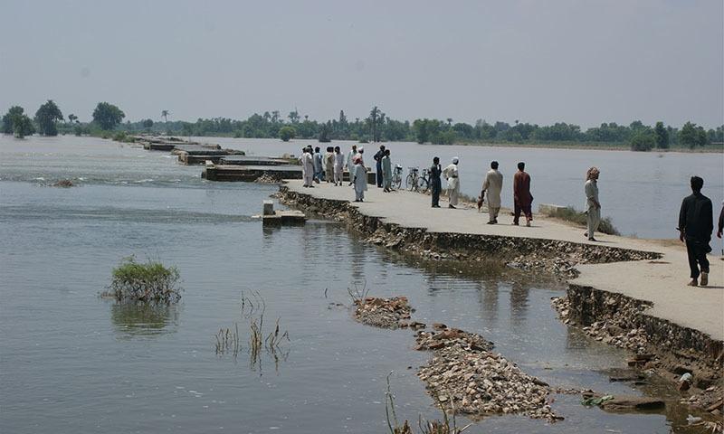 جرمن واچ ہی کے مطابق پچھلے 20 برسوں میں پاکستان کی معیشت کو 3.8 ارب ڈالرز کا نقصان پہنچا ہے—تصویر آئی یو سی این