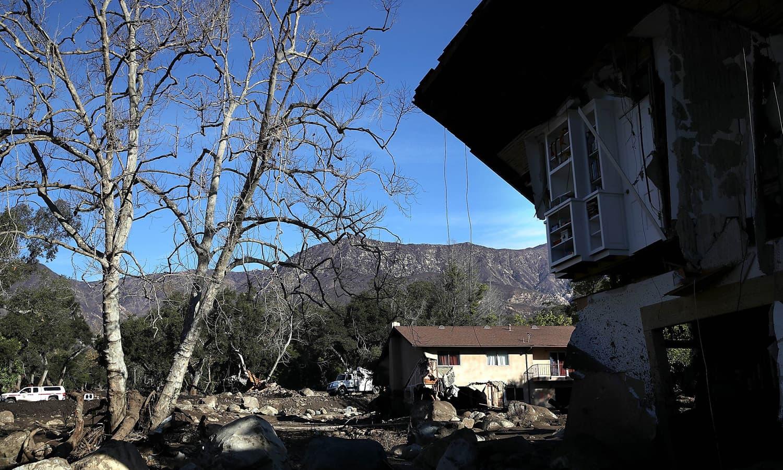 جنوبی کیلی فورنیا میں طوفانی بارشوں کے بعد پتھروں اور کیچڑ کا سیلاب آگیا — فوٹو: اے ایف پی