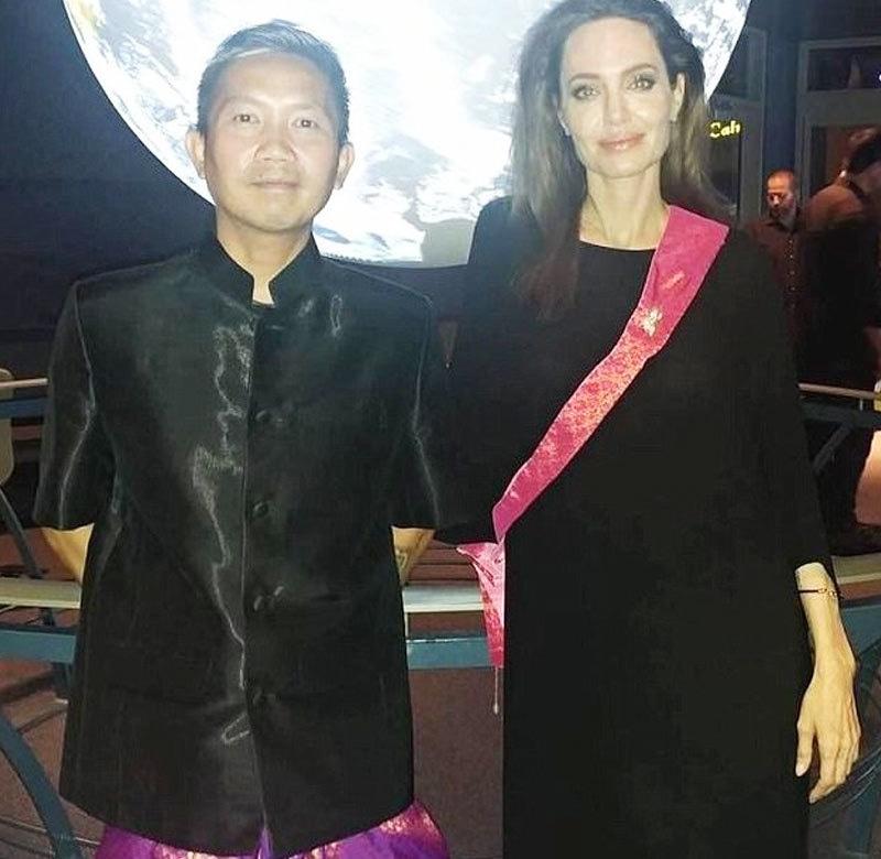 پریچ لی اور انجلینا جولی کے درمیان فلم کی شوٹنگ کے درمیان ملاقات ہوئی—فوٹو: فیس بک