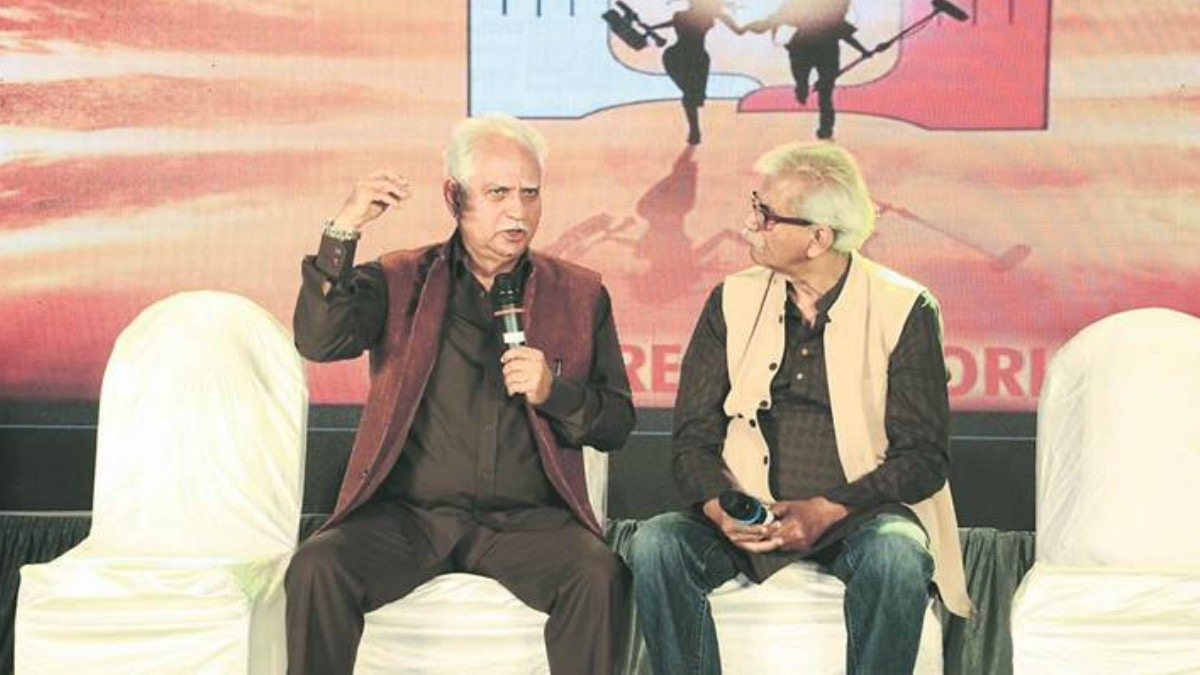 Director Ramesh Sippy during a conversation with Pune International Film Festival Director Jabbar Patel —Photo courtesy: Indian Express